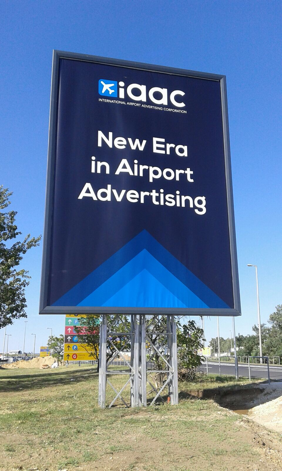 Advertising Program - Totems & Diplays